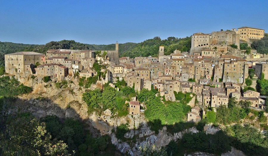 All the Noise of It: Living in a Tuscan Hilltown – excerpt from the book