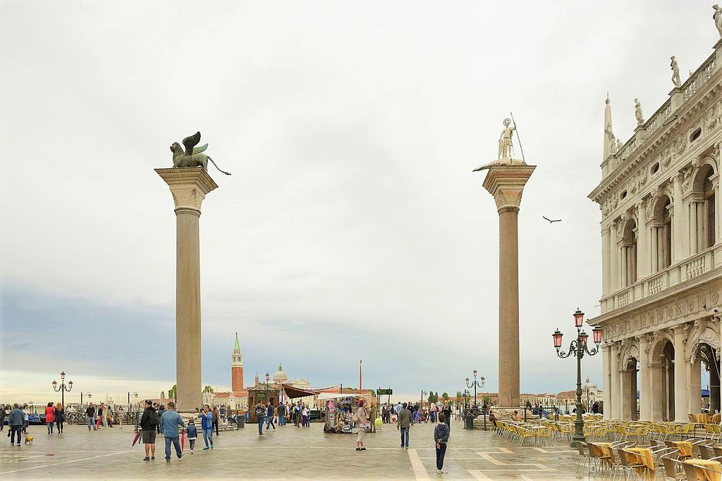 Why Venetians don't walk between the columns in St Mark's Square