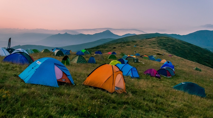 How sleeping in a tent gets your biological clock back to normal