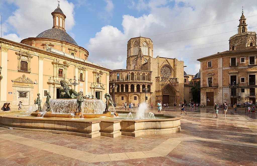-Spain_Valencia_place_of_the_virgin