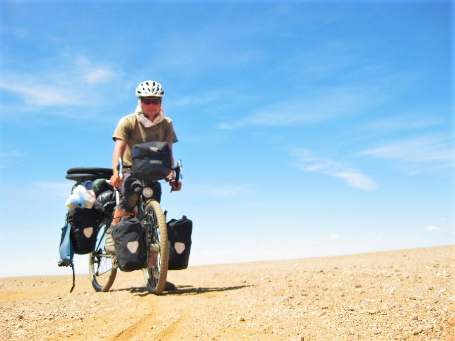 Sam Gambier's trip around the world: 2,5 years by bike