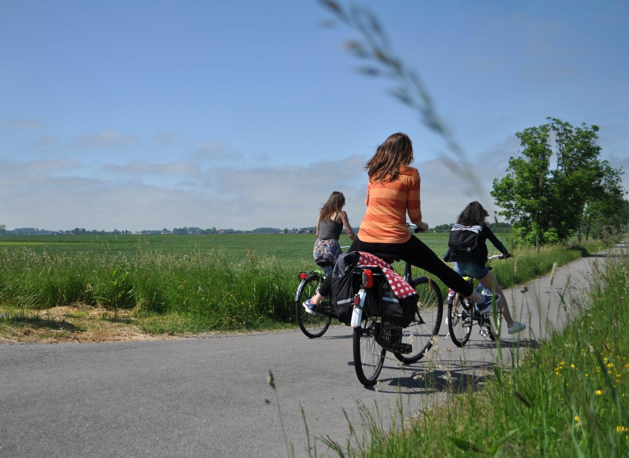 4 Girls on a Bike Trip to the North Sea