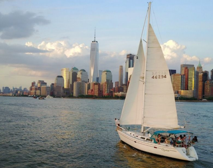 Five reasons why you should opt for a New York Yacht Charter